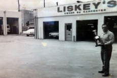 Front of the shop - old picture | Liskey's Auto & Truck